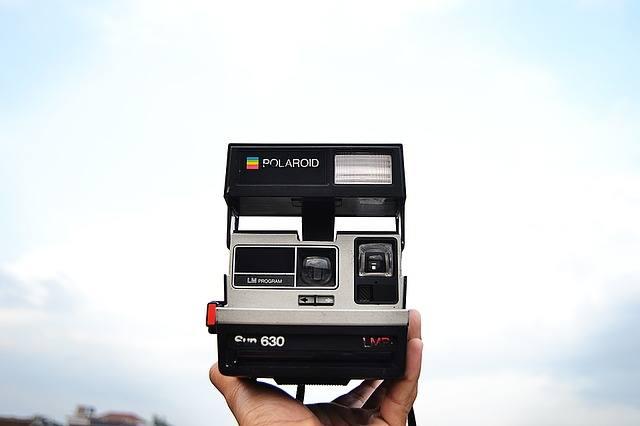 Comment prendre des photos avec un Polaroid?